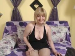 Live Now lady68larisse